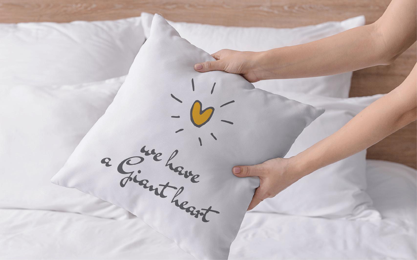 עיצוב כריות נוי עם מסר